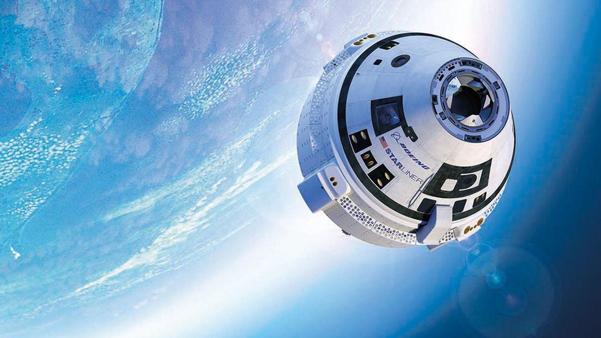 navicella spaziale CST-100 Starliner di Boeing che raggiunge l'orbita.